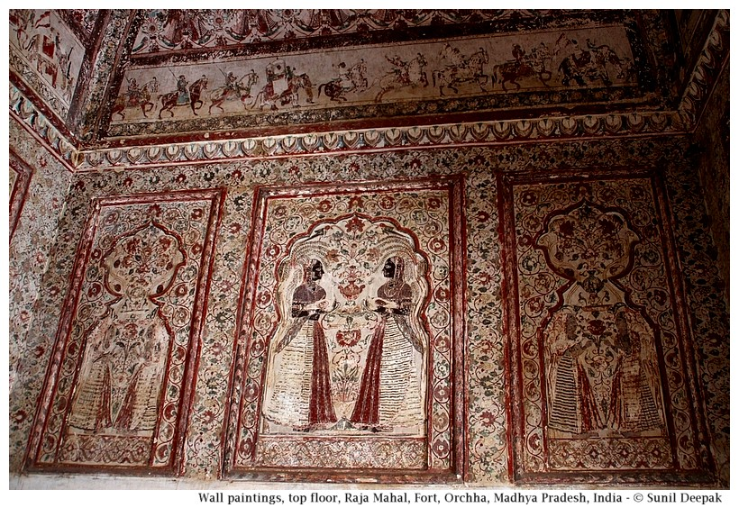 Wall paintings of women and hunting scenes, 2nd floor, Raja Mahal, Orchha fort, Madhya Pradesh, India - Images by Sunil Deepak