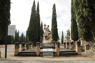Panteón de las familias Gómez y Sancho.