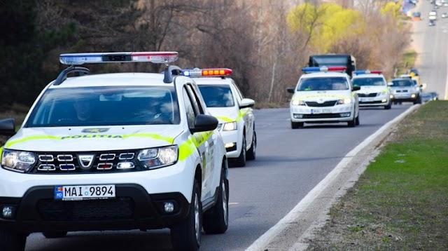 Accident în r.Cahul: Un TIR s-a inversat pe carosabil