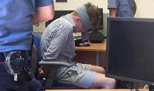 صورة لأمريكي معصوب العينين ومكبل اليدين أثناء احتجازه في إيطاليا تثير الجدل
