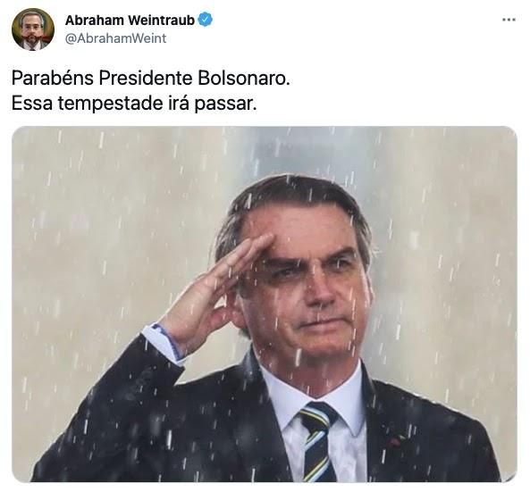 Screenshot 2021 03 21T092357.763 - Bolsonaro completa 66 anos e é homenageado por multidão de patriotas que canta parabéns em frente ao planalto; VEJA VÍDEO