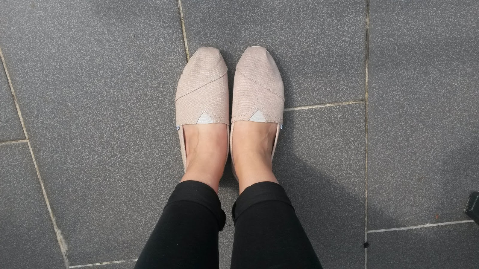 separation shoes 6f215 f6375 Toms - One by one