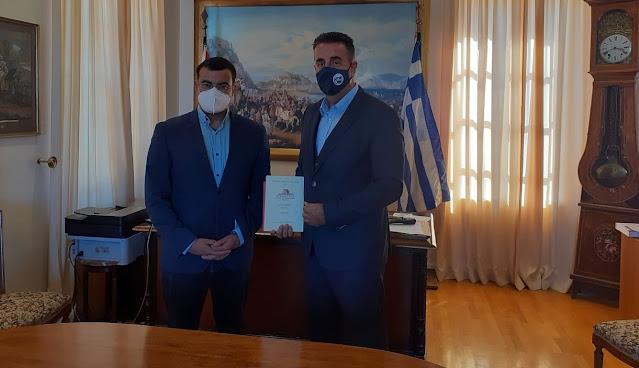 Τι προετοιμάζουν Ναύπλιο και Ύδρα για το 2022