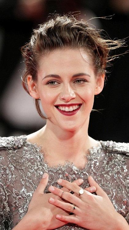 Kristen Stewart Looking Hot in Silver Dress