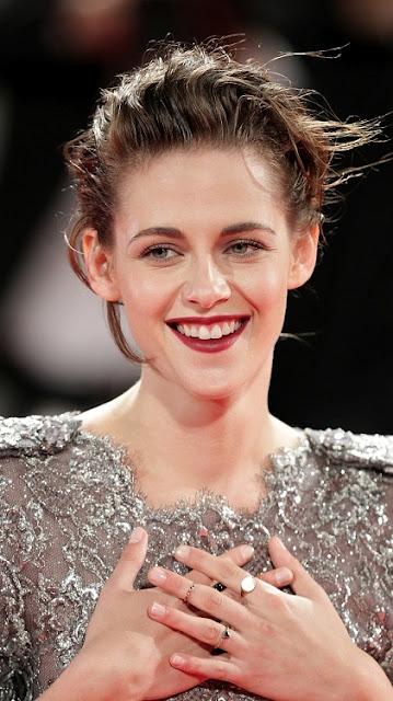 Kristen Stewart Looking Hot in Silver Dress