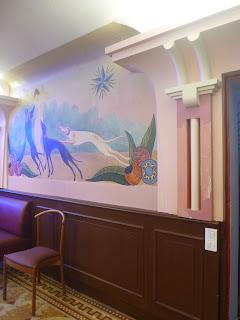 etoile bleue maison close tours art deco fresque decor