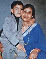 ishan kishan childhood photo with her mother