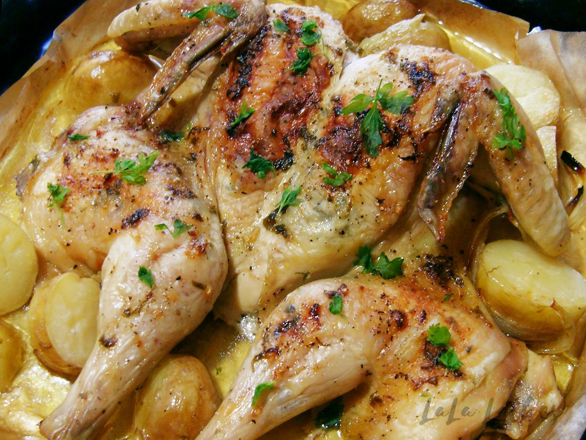 Курица, запеченная с ароматным маслом