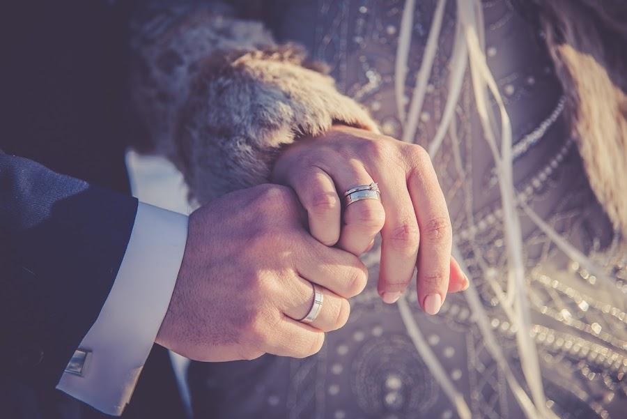Invitaciones de boda hechas con sellos de caucho
