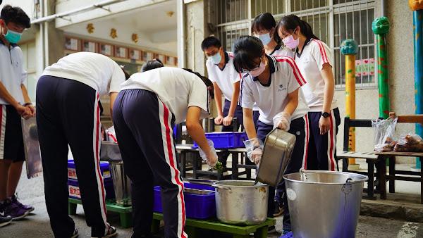 剩食變「聖食」 彰化高中生惜福惜出逾2萬5千份愛心餐
