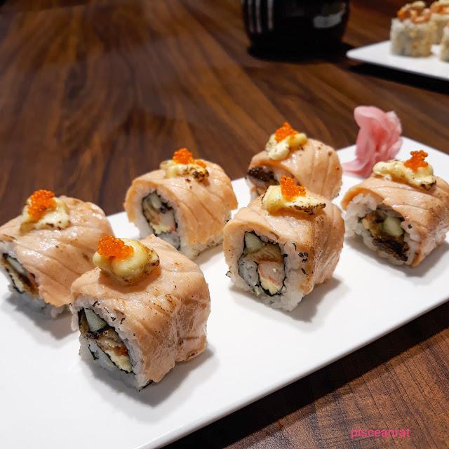 Fumizen Cheese Salmon Aburi Maki Roll