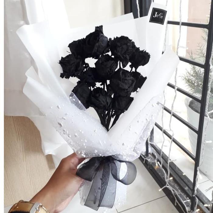 gambar mawar hitam