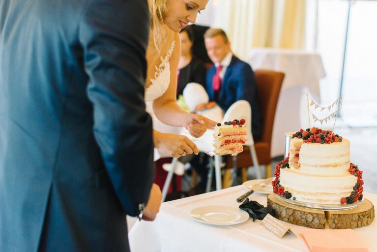Steffi S Hochzeitsblog Meine Diy Hochzeitstorte Ein Zweistockiger