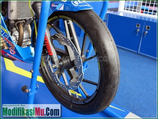 Ban IRC Fasty Slick Soft Compound - Video Cara Modifikasi All New Suzuki Satria F150 FI Sporty Untuk Balapan Terbaru Sederhana Tapi Keren