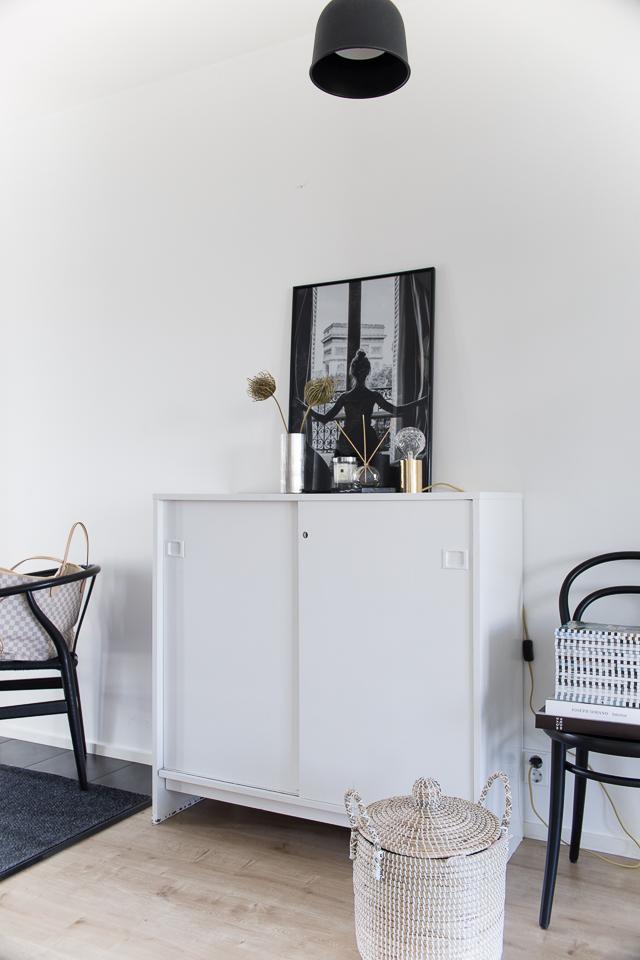 Villa H, eteisen sisustus, kuivakukat, uutta asetelmaa eteiseen, kodin sisustus