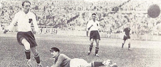 In rete contro il Belgio, nel 1933.
