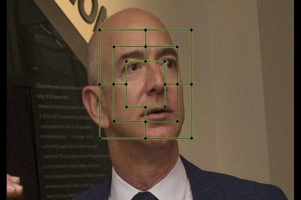 أمازون تتوقف عن استخدام تقنية التعرف على الوجوه المخصصة للسلطات مؤقتا