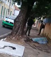 Corpo é encontrado em calçada de Avenida em Parnaíba
