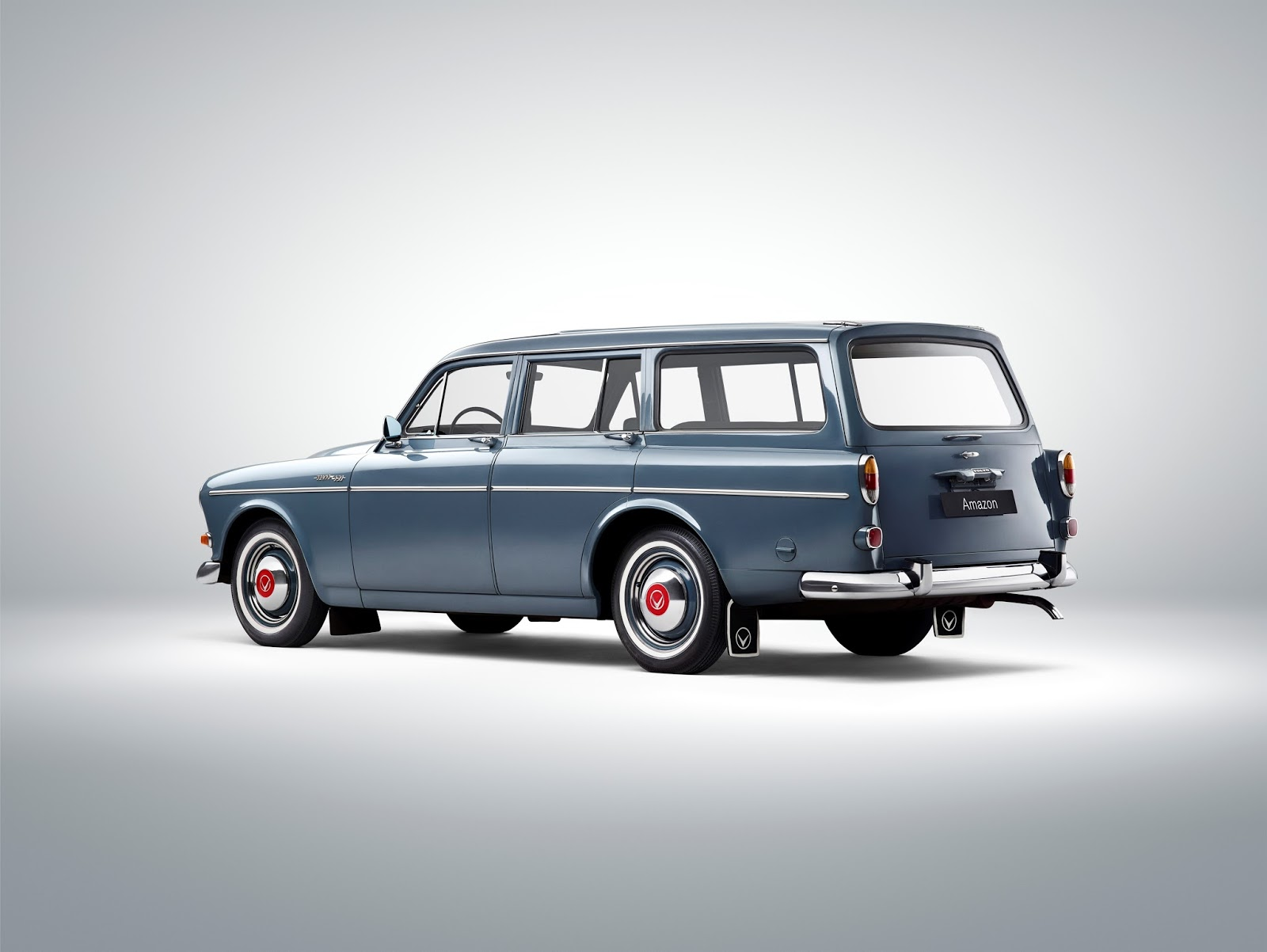 173624 Volvo 221 Amazon Το V90 είναι το πιο όμορφο, το πιο ασφαλές station wagon και το πιο... Volvo Station Wagon, Volvo, Volvo V90