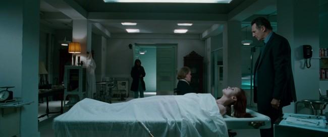 A halott túlélő / After.Life [2009]