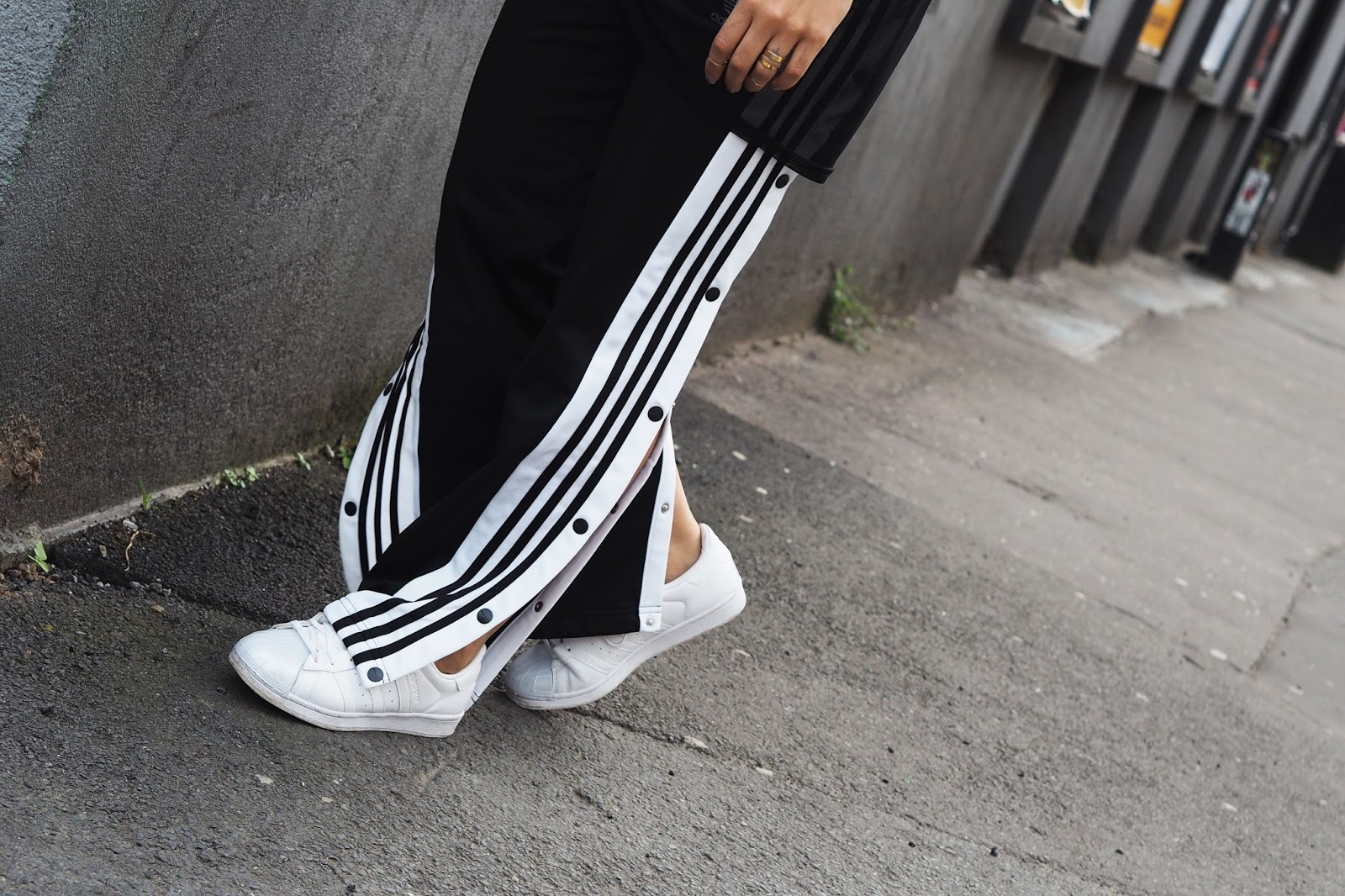 fe579a6c815 HOW TO WEAR THOSE ADIDAS POPPER TRACKSUIT PANTS | UK WOMEN'S FASHION ...