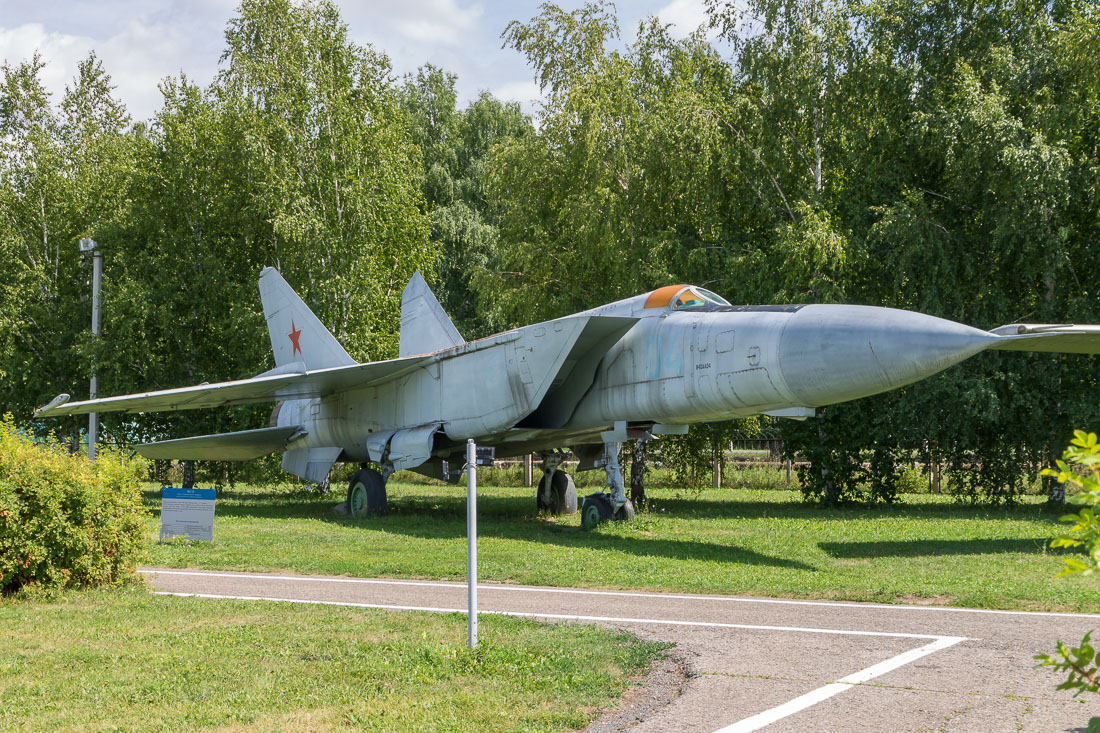 Самолёт Миг-25