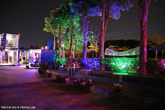 IMG 2502 - 台中沙鹿│向海咖啡屋*夢幻紫色玻璃貨櫃屋。咖啡與旋律伴你欣賞星光夜景