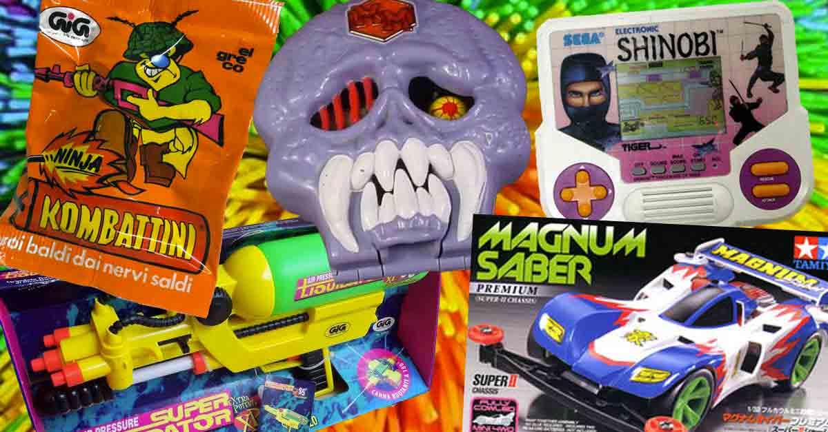 Collage di giocattoli anni 90 con sfondo koosh: kombattini, mighty max, gig tiger, super liquidator, mini 4wd