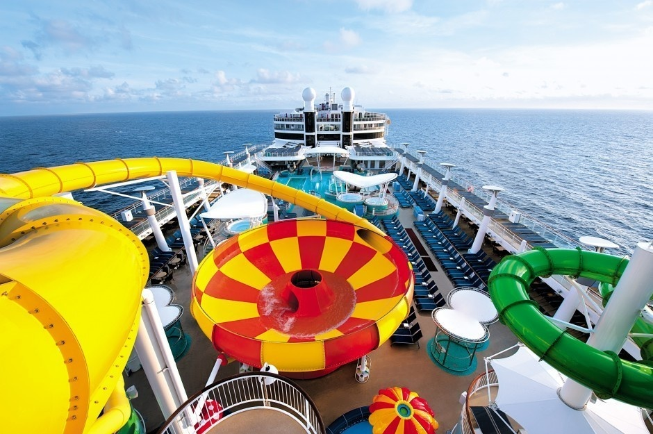 #19. Epic Plunge, Norwegian Cruise Line - The World's 25 Scariest Waterslides… I'm Surprised #6 Is Even Legal.