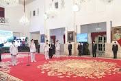 Presiden Jokowi Lantik Gubernur Beserta Wakil Gubernur Kalimantan Utara dan Sulawesi Utara