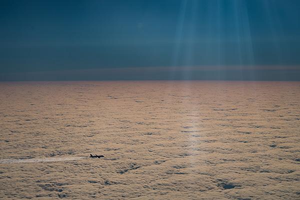 National-Geographic-registro-eclipse-solar-avión