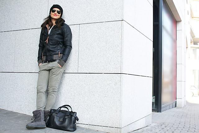 zimowa moda, co nosic zima, aviatory, skórzana kurtka, novamoda style, military look, kurtka lotnika, kobiety, moda po 40ce, militarny styl, ray ban aviators, co nosić zimą, zimowa stylówka, zimowa kurtka, see by chloe, torebka chloe, isabel marrant buty,