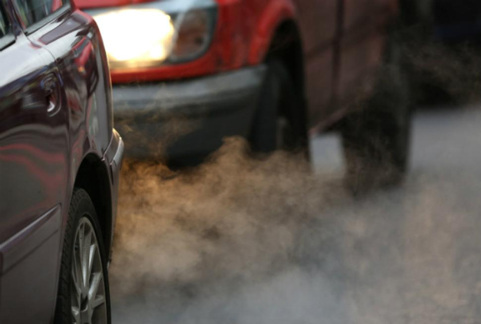 exhaust fumes Οι 9 τρόποι που μας κοροϊδεύουν οι αυτοκινητοβιομηχανίες Diesel, Fun, VW, zblog