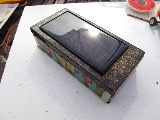 Cigarette Tin Solar Phone Charger