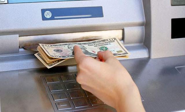 Làm thẻ atm ngân hàng nào không mất phí