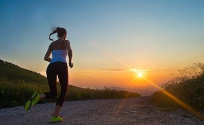 Dapat Menghilangkan Stres, Berikut 5 Manfaat Lari Sore yang Perlu Diketahui