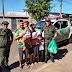 Polícia Ambiental doa peixes apreendidos a asilos e famílias carentes em Pirassununga
