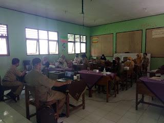 Pengimbasan Bimtek AKM di SMP N 3 Kutasari
