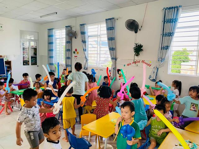 Dịch vụ chú hề thổi bóng cho bé tại Hà Nội