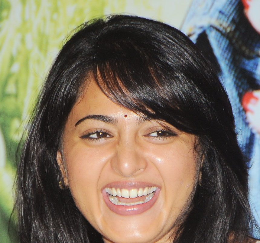 Top 10 Anushka Shetty Smiling Photos