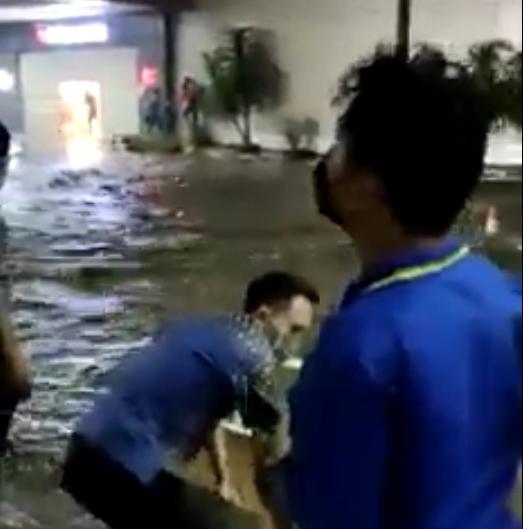 Viral !!! Video Manado Town Square Diterjang Banjir, Humas Polda Sultra: Diduga Akibat Cuaca Ekstrim