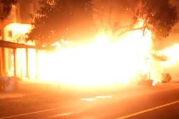 Kebakaran Bengkel Dan Warung Nasi di Abdya, Kerugian Capai Puluhan Juta