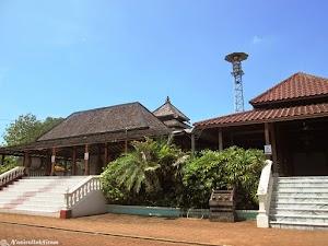 Masjid Mantingan Dibangun Retna Kencana, Dibantu Kiai Telingsing