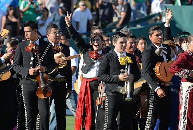 Χιλιάδες Μαριάτσι στους δρόμους του Μεξικό για την Αγία Σεσίλια (βίντεο)