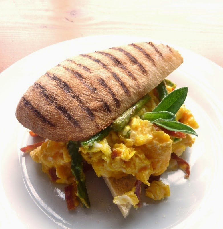 herby-scrambled-eggs