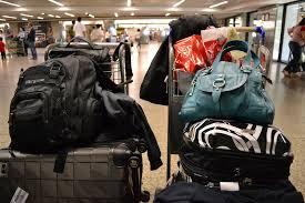 Malas no saguão do aeroporto