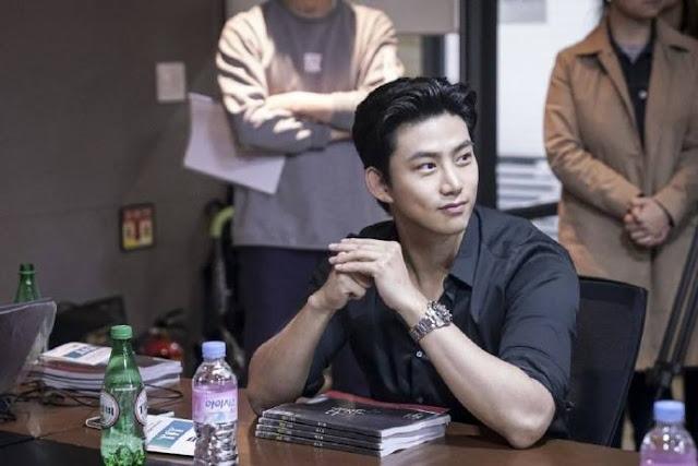 玉澤演OCN新戲《救救我》公開演員閱讀劇本花絮照