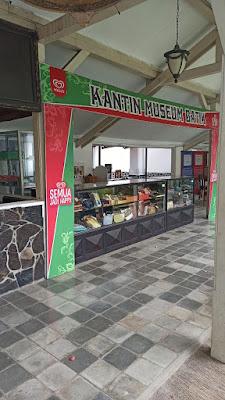 museum batik indonesia museum batik pekalongan diresmikan pada tanggal museum batik pekalongan diresmikan oleh museum batik nct sejarah museum batik yogyakarta nama museum batik peresmian museum batik pekalongan yang meresmikan museum batik pekalongan