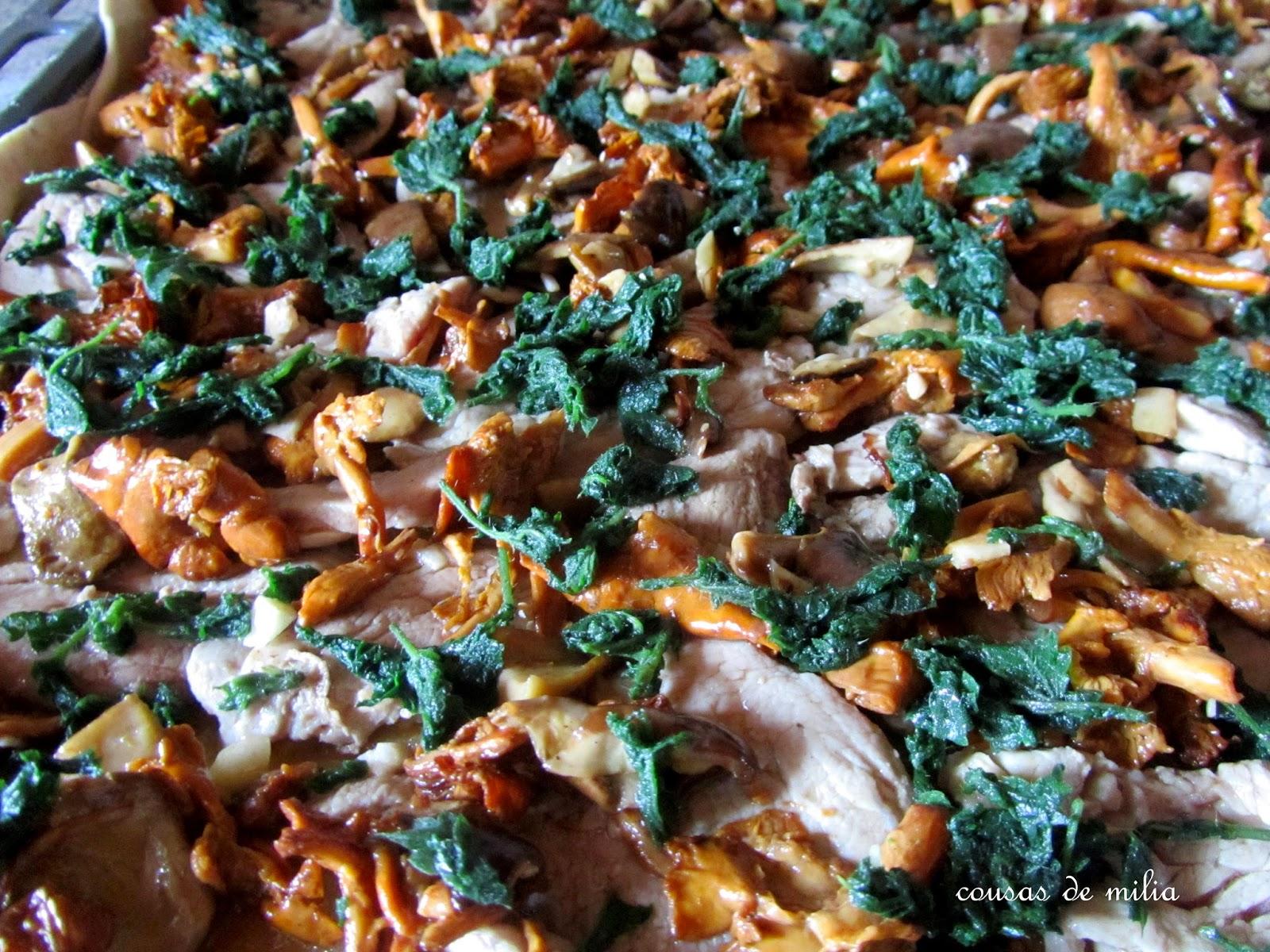 Empanada de solomillo, setas silvestres y ortigas