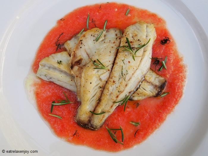 פילה ברמונדי בחמאת עגבניות